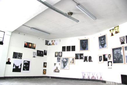 Meelfabriek Leiden: installation with 75 self portraits